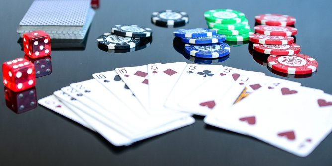 How to Change Strategy in Online Poker Gambling